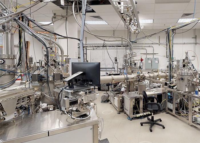 Engel-Herbert's lab